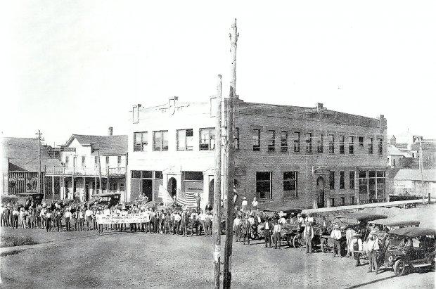 1915 Road Builders